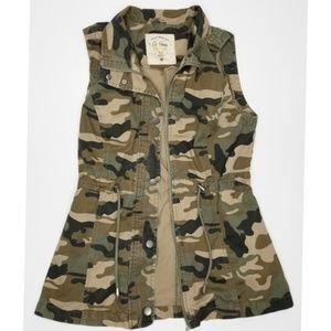 Ci Sono originals camouflage zip up vest size M